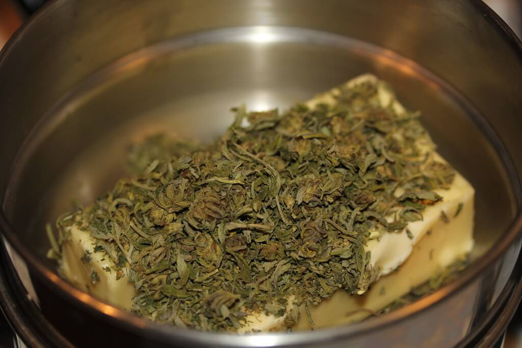 Pečene namirnice od konoplje poput keksa ili kolača se mogu čuvati u zamrzivaču.
