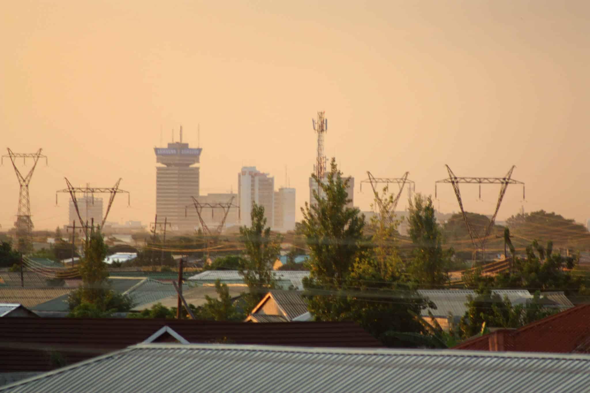 Zambija još uvijek nije legalizirala kanabis, te uključuje i zatvorsku kaznu do 15 godina za korištenje istoga.