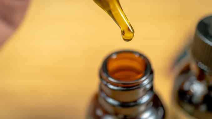 MCT ulje je vrlo korisno u kombinaciji s CBD uljem