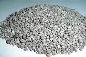 NPK gnojivo sadrži dušik, fosfor i kalij, a oni su najbitniji nutrijenti za uzgoj kanabisa.