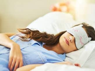Nesanica je najuobičajeniji poremećaj spavanja. Nesanica uključuje teškoće kod usnivanja, spavanja ili ponovnog usnivanja nakon ranog buđenja.