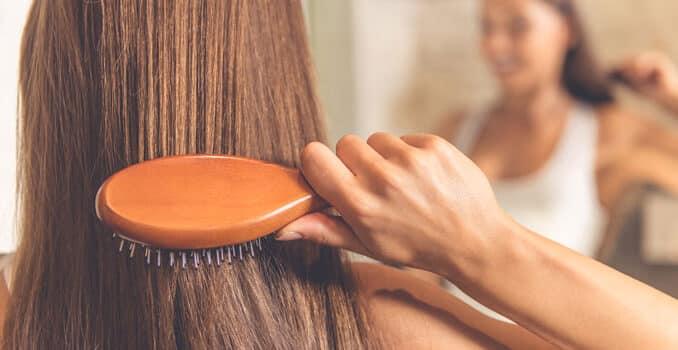 Stres, način života, prehrana i vremenski uvjeti mogu utjecati na zdravlje i izgled kose, konzumiranjem ulja konoplje ona će postati zdravija.