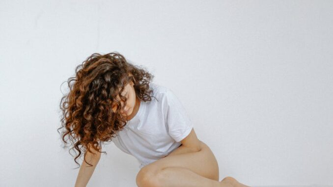 Endometrioza se pojavljuje oko dvadesete godine života te prestaje pojavom menopauze.