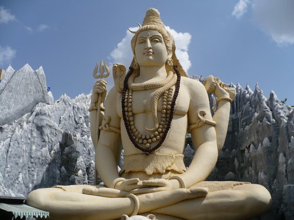 Kip Šive, poznatog kao Gospodar Bhanga, u gradu Bangalore, u Indiji.